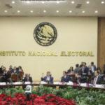 Presenta Morena iniciativa para silenciar a consejeros del INE