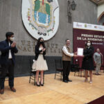 Gobernador Cuitláhuac García entrega el Premio Estatal de la Juventud 2020