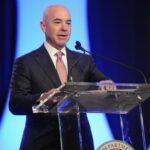 Biden anuncia nuevo integrante a su gabinete, Alejandro Mayorkas de origen Cubano