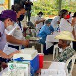Adultos mayores de Oteapan recibieron la vacuna contra covid-19