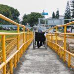 Dan mantenimiento a puentes peatonales de Xalapa